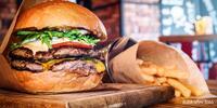 4x hovězí burger, hranolky a 4x pivo