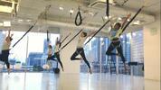 Zábavné cvičení bungee workout nebo bungee fit