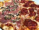 Až 60 cm velká gurmánská pizza dle výběru