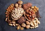 Křupněte si na zdraví: 500 g směsi ořechů a ovoce